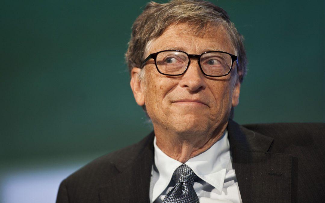 Билл Гейтс и робот под управлением Samsung Galaxy S4